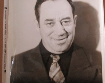 Vintage 1931  Press photo - Stanley FIelds in City Streets  - Estate find!