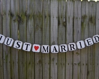 JUST MARRIED BANNER  Rustic Banner  Wedding Banner - Engagement Party Decoration - Photo Prop