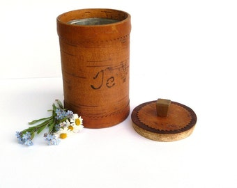 Vintage Swedish birch bark box, Birch bark container with a wooden lid, tin container inside, Primitive Scandinavian folk art Organic vessel
