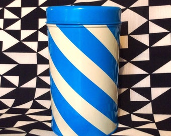 70s retro vintage tin canister. Made in Finland. Great condition.