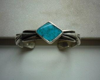 Vintage Navajo Native American Sterling Silver Bisbee Turquoise Sandcast Bracelet