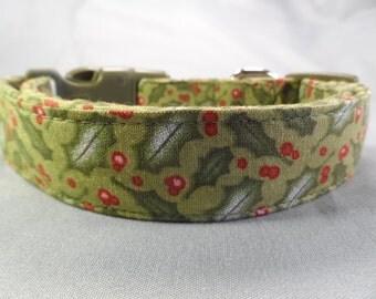 Modern Holly on Green Christmas Dog Collar