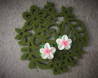 White Resin Flower Stud Earring!