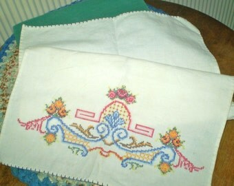 vintage embroidered hand towel- multi color victorian style hand towel- hand embroidered bottom towel- embroidered linen towel