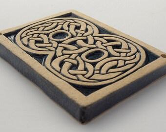 Number 8 Celtic Knot Tile