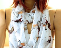 SALE---Horse printed Infinity scarf. Loop scarf. Circle scarf. Women Scarf. Gift.Scarves, White scarf, animals print scarf, gift ideas