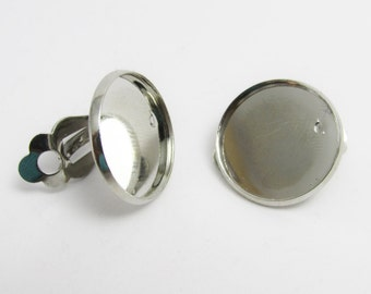 D-00298 - 2 pieces Clip Earrings for Cabochons 18mm