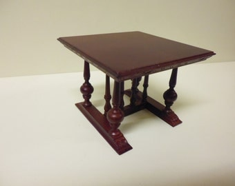 Quality 1/12th Dolls House Furniture Mahogany Table 2188MH  1/2 price