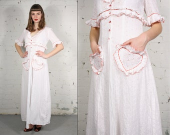 Vintage 1930s/40s White Eyelet Dressing Gown with Heart Pockets