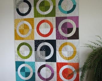 Modern Art Quilt, Lap Quilt, Circle Quilt