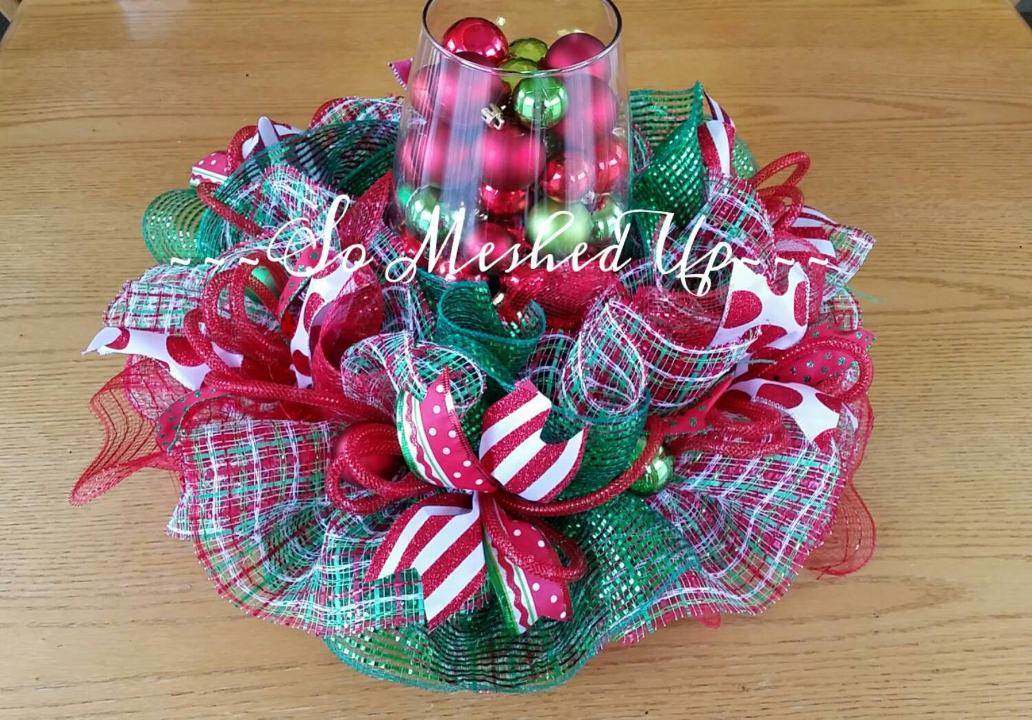 Deco mesh christmas table centerpiece in reds apple by