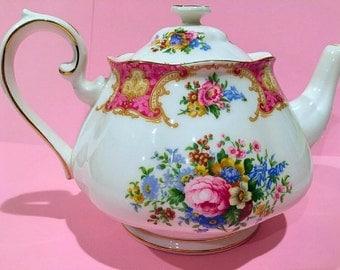 Royal Albert large Lady Carlyle teapot 2 pints