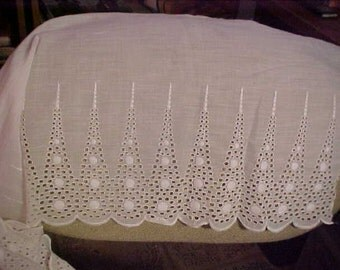 "Vintage Wide Eyelet Lace, 3 Yards 6"" x 11 Inches, Beautiful lace  #1022"