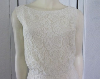 1960s White Lace Sleeveless Sheath, Size 4 - 6