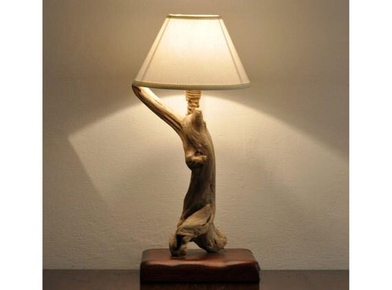 Lampada con legni di mare Driftwood lamp