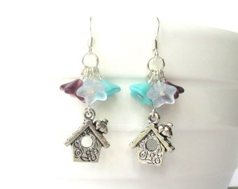 Little birdhouse earrings - Flower earrings - Spring jewellery - Baby bird - Bird earrings - Aqua - Flower cluster earrings - Vintage style