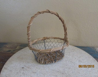 rustic chicken wire flower girl basket can add ribbon