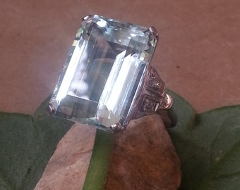 Vintage Aquamarine & Diamond 14kt WG Ring