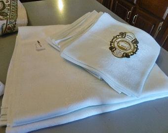 Vintage Damask Tablecloth and 12 Napkins
