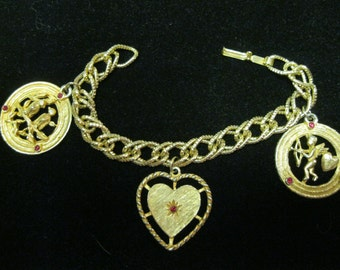 """Vintage 50's """" Love""""  Charm Bracelet with Heart Cupid and Lovebirds"""