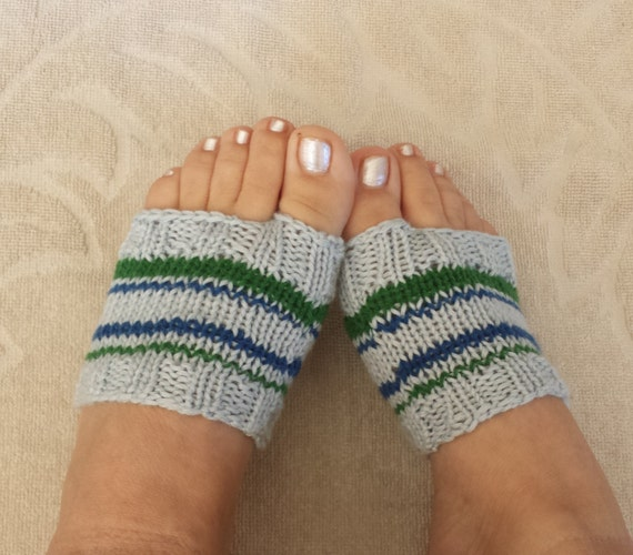 Knitting Pattern For Flop : KNITTING PATTERN, Flip Flop Socks Pattern, Soft Feet Savers Pattern, How to K...