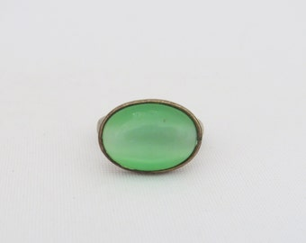 Vintage Jewelry Silver Tone Green Cat's Eye Bold Ring Size 8.75