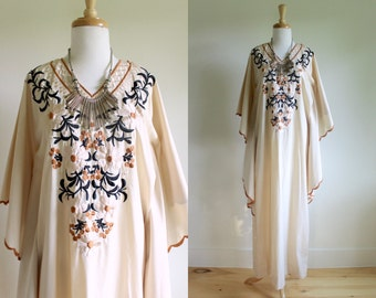 Vintage 1970s Desert Embroidered Earth Tone Caftan