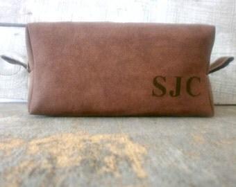 Large Leather Dopp Kit, Toiletry Bag, Mens Leather Toiletry Bag, Dopp Kit, Shaving Bag, Mens Travel Bag, Faux Leather, Groomsmen Dopp Kit