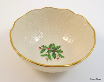 "LENOX CHRISTMAS ""SPECIAL"" Holly & Berries Ivory Gold Trim Condiment Bowl or Candy/Mints/Nuts Dish Lenox Special Ivory Christmas Holly Design"