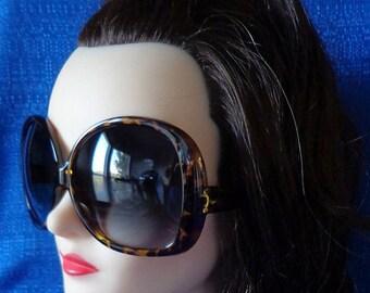 Ladies Vintage Tortoise Oversized Sunglasses,Very Large Sunglasses