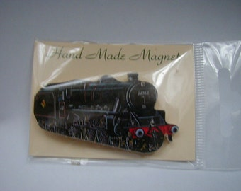 Small Black 5 Locomotive Fridge Magnet