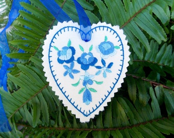 Christmas ~ Valentine ~ Wreath Silk Heart Ornament ~ Decoration Machine Embroidered in Blue ~ Green Floral