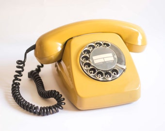 Phone Siemens Type Heraldo. Mustard color.