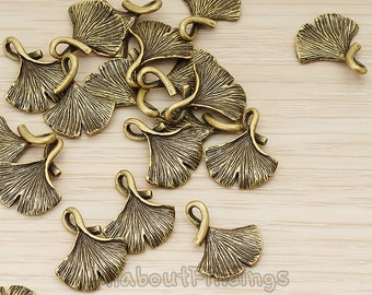 PDT1071-AB // Antique Brass Plated Ginkgo Leaf Pendant, 2 Pc