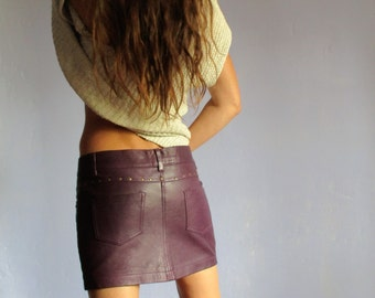 Mini plum leather skirt
