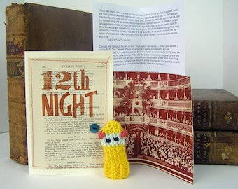 Twelfth Night. Malvolio. William Shakespeare. Shakespeare gift box with knitted actor, folded stage & speech.