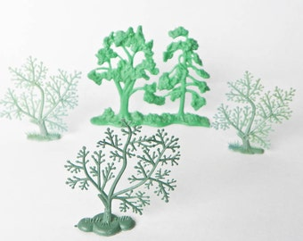 Vintage Plastic Trees - Mini Town Background Landscape - Made In China - Four Pieces