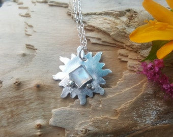 P32 Pure Silver Starburst Sunshine with Moonstone
