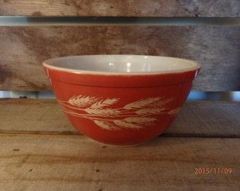 Vintage Pyrex Autumn Harvest Mixing Bowl. 1.5 Liter Vintage Mixing Bowl