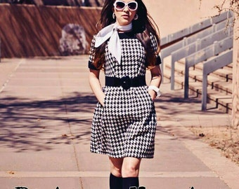 Vintage Reproduction 1960s Mod Black & White Houndstooth Dress Small