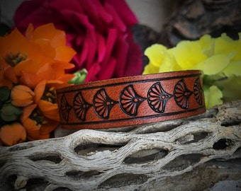 Floral Fanned Bangle