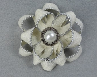 Zipper Flower Brooch - White Flower Pin, Upcycled, Recycled, Repurposed, Zipper Jewelry, Zipper Pin, Zipper Brooch, Zipper Art