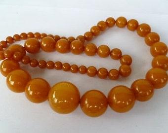HUGE & HEAVY **154gr** 1930s-40s Vintage Butterscotch Bakelite Necklace