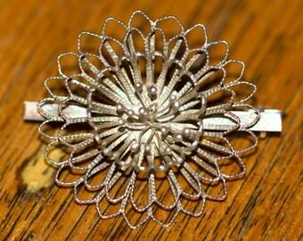 Silver Filigree Floral brooch