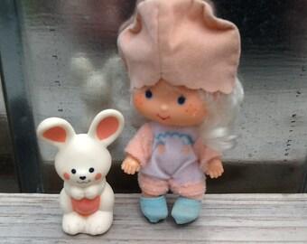 Apricot w/Hopsalot Vintage Strawberry Shortcake Doll