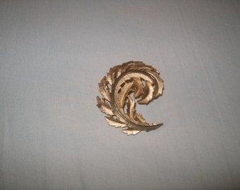 Vintage Costume Jewelry Trifari Brooch Pin, WAS 15.00 - 50% = 7.50