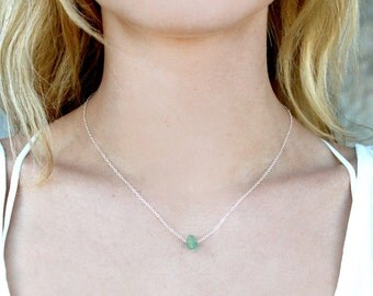 Dainty Green Aventurine Gem Stone Necklace // Gold Silver Delicate Chain // Minimal // Short Layering Necklace // Bridesmaid Gift