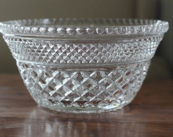 Wexford Bowl, Vintage Clear Glass Serving Bowl, Anchor Hocking, Diamond Pattern, Bridal Shower, Wedding Serving Bowl