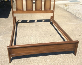 Mid Century Mondern Broyhill Emphasis full Headboard and Footboard with rails.