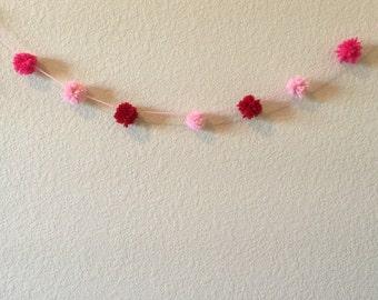 Yarn Pom Pom Garland/Pink